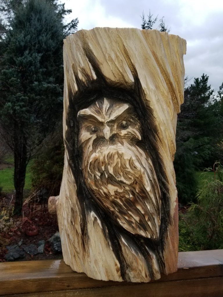 Barn owl chainsaw carving wooden sculptures available for you garden